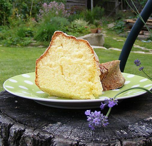 Skvělá šlehačková bábovka | Cream bundt cake
