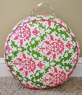 I'm going to make some of these for my living room with my leftover fabric from the mudroom bench pillow!