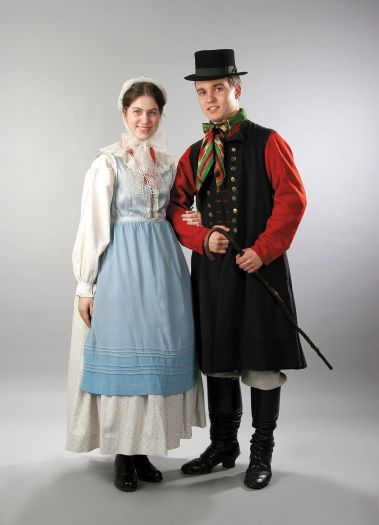 Europe   Portrait of a Polish couple wearing traditional clothes, Szamotuly Poland