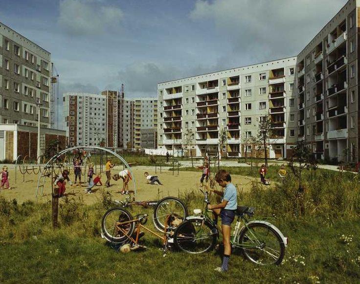 Graue Einheitsarchitektur, known derisively as Arbeiterschließfächer (worker's lockers), East Berlin, East Germany, 1985, photograph by Gerhard Kiesling.
