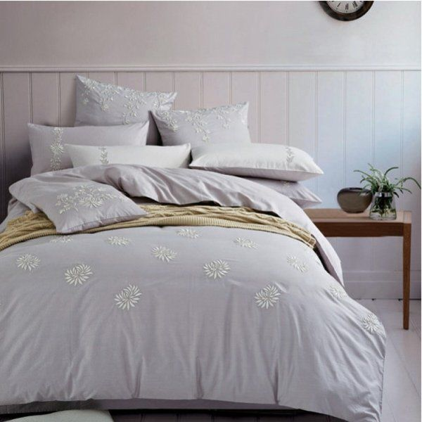 Enhance your sleeping experience with this super soft 100-percent cotton motif comforter set. This luxurious comforter set features polyester filled comforter, 2 pillow shams, 1 filled square cushion and 1 filled breakfast cushion.