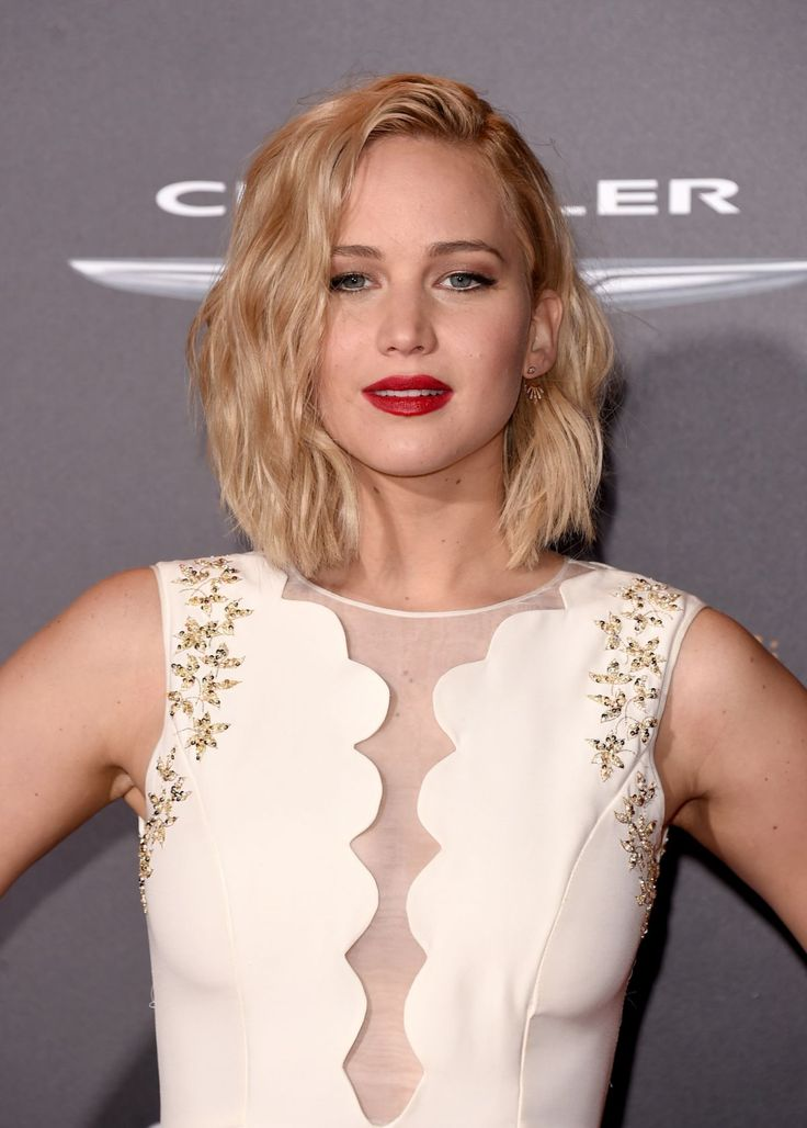 JENNIFER LAWRENCE at The Hunger Games: Mockingjay, Part 2 Premiere in Los Angeles 11/16/2015