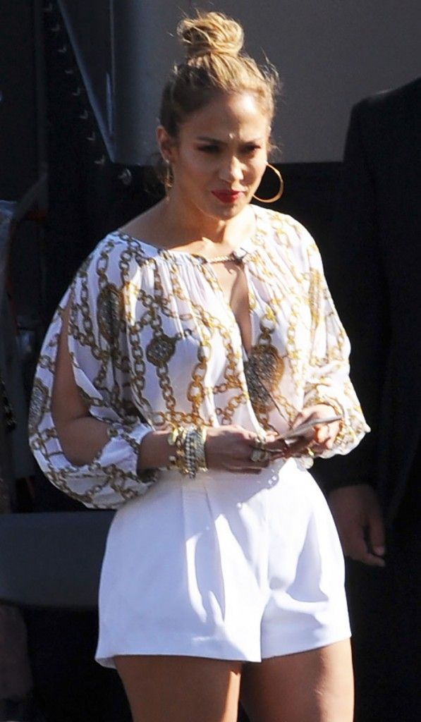 Jennifer-Lopez-in-Jennifer-Lopez-Collection-for-Kohls