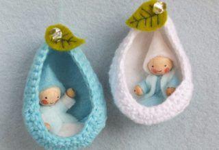 twee coconnetjes vilt, felt, Atelier Pippilotta, Het Vrolijke Nest