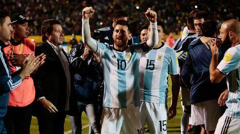 Un Messi soberbio salva a Argentina del desastre - La Razón (Bolivia)