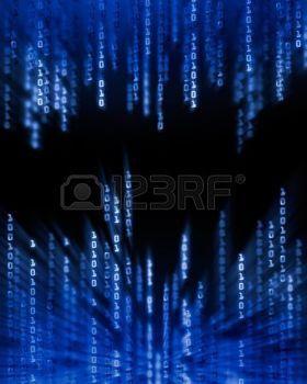 données: Glowing chiffres de code binaire des données circulant sur l'écran d'ordinateur