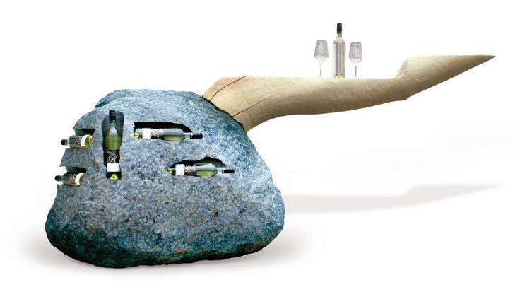 Weinstein! 2 Tonnen Basaltstein mit Eschenstamm als Bar