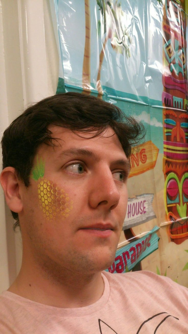 Pineapple  face paint by Hi5Faces