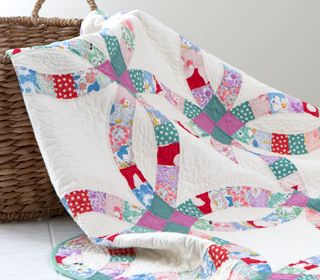 Cute Double Wedding Ring Free Quilt Pattern