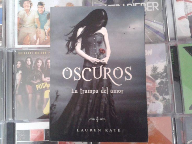 """""""Oscuros: La trampa del amor"""" escrito por Lauren Kate:"""