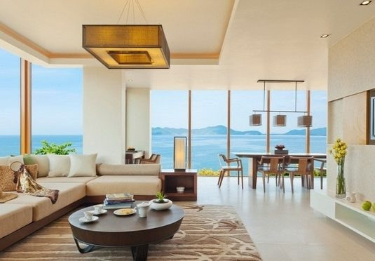 Udsigt til det Sydkinesiske Hav med privat pool og en nærmest uendelig liste af kulinariske tilbud, inklusive morgenmad samt middag eller frokost