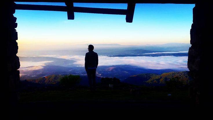 «Cuando te das cuenta que valió la pena madrugar.  #Sunrise #Guatemala #Huehuetenango #LosCuchumatanes#MiLugarFavoritoPL #InstaMood #InstaPlace #Sky…»