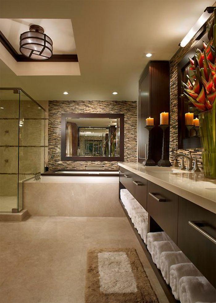 Badezimmer Gestalten Braune Schranke Beige Fliesen Duschkabine Lampe Spiegel Kerzen In 2020 Grosse Badezimmer Badezimmer Moderne Waschbecken