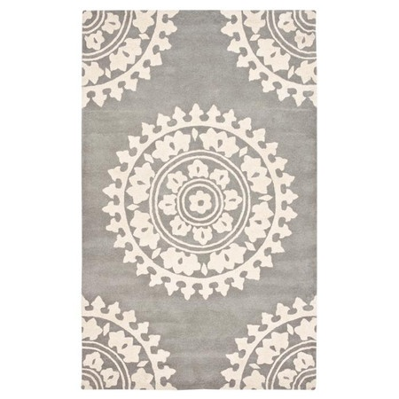 Kitchen. Medallion Rug in Light Grey & Ivory -Safavieh Rugs