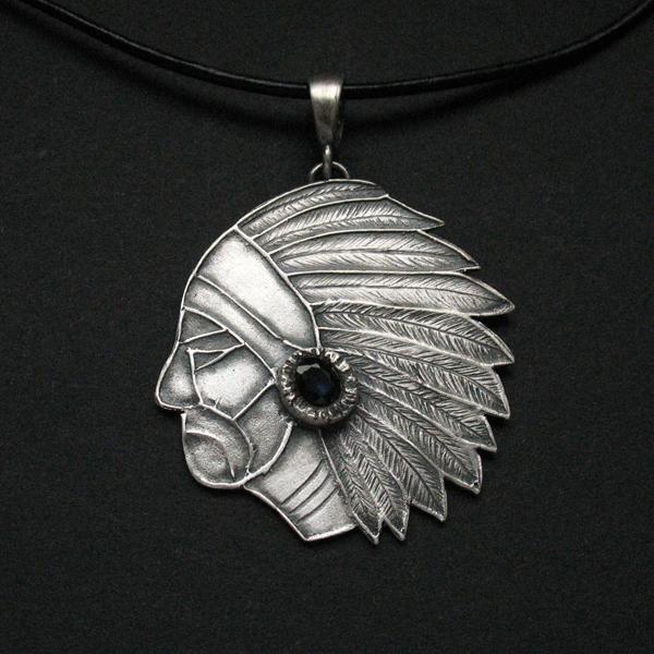 Wakatakeh - srebrny wisior z naturalnym szafirem -Anna Fidecka FIANN #polandgandmade #fiann #uniquejewellery #artclay #silverjewellery #silverpendant #americanindian #biżuteriaartystyczna