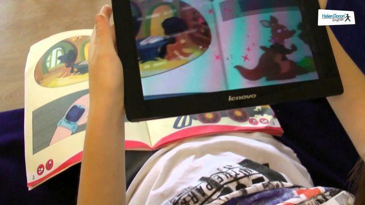 """Ne place să fim mereu în pas cu noile tehnologii și astfel să răspundem cerințelor celor mici, încurajându-i să învețe limba engleză în cele mai interactive moduri. De aceea, Helen Doron English vă pune la dispoziție cel mai nou program, """"Jump with Joey"""" care folosește tehnologia realității augmentate.  Realitatea augmentată este o unealtă magică care aduce personajele 2 D la viață prin animații 3D și cântece. Copiii vor învăța să pronunțe și să vorbească limba engleză corect, chiar de…"""