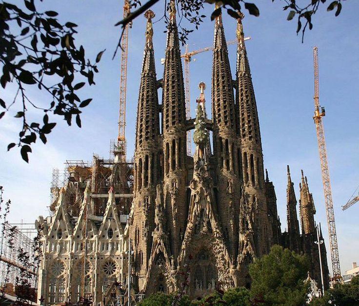 Cinque amiche e un furto a Barcellona