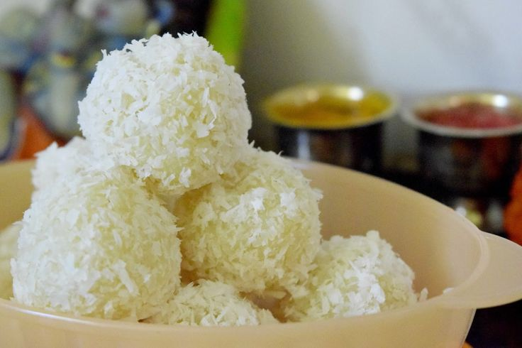 Poorni's Cookbook: Coconut Laddoo/ Coconut Laadu/ Coconut Laddu ~~Fes...