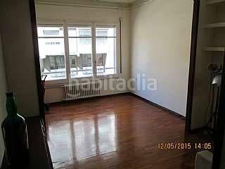 Alquiler piso en Carrer Balmes con servicio de portería en Barcelona/ 1000eu 108m2 3hab 2baños