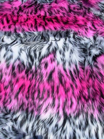 17 best images about leopard on pinterest cheetah print for Fur wallpaper room