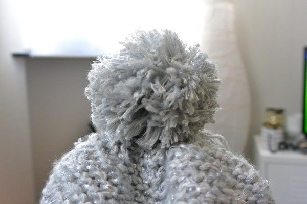 un bonnet pompon blog tuto tricot diy and crafts. Black Bedroom Furniture Sets. Home Design Ideas
