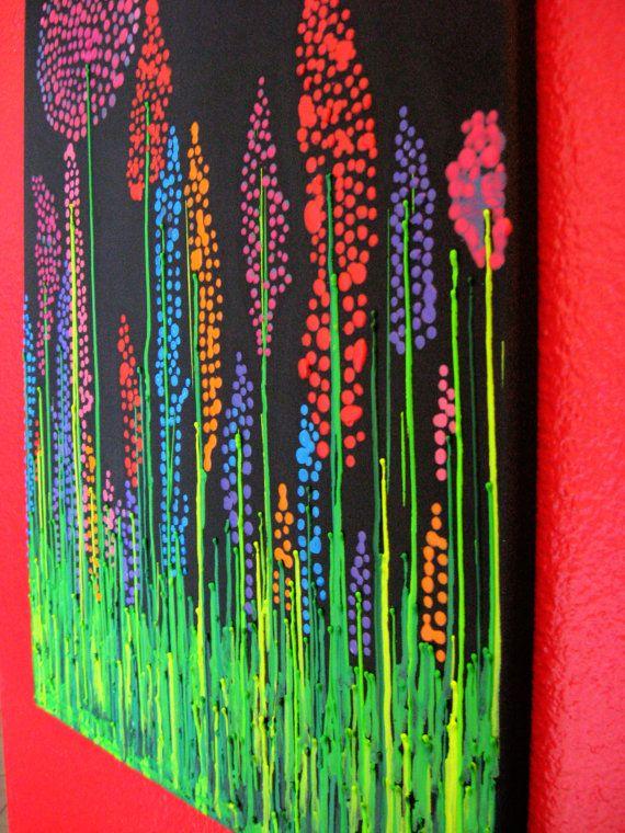 Solche lebendigen Farben werden Ihre Wand sicherlich pop machen! Diese handgefertigten Wachs-Malerei ist das perfekte Stück für Ihr Zuhause oder ein Geschenk für einen geliebten Menschen. Wer Wildblumen schätzt schätzen dieses Kunstwerk.    Ich habe eine 16 x 20 Leinwand und mit schwarzer Acrylfarbe gemalt. Ich übernahm Buntstifte und schmolz sie durch eine Heißklebepistole machen sie biegsam, so ich das Wachs in meinen gewünschten Shapes Tropfen könnte. Dies ist ein sehr gefährliches…