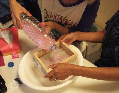 ティッシュペーパーを使った簡単手作りハガキの作り方
