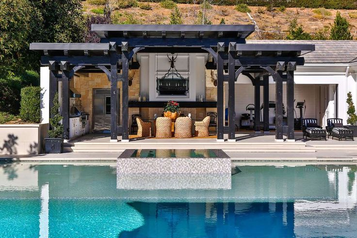 """Slide 2 of 7: Gretzky and his wife, Janet Jones, 56, had previously listed the 8,700-square-foot home with the same agency for $10.5 million <a href=""""http://www.realtor.com/news/celebrity-real-estate/wayne-gretzky-mansion-westlake-village-photos/"""">in 2014</a>, but later removed it from the market."""