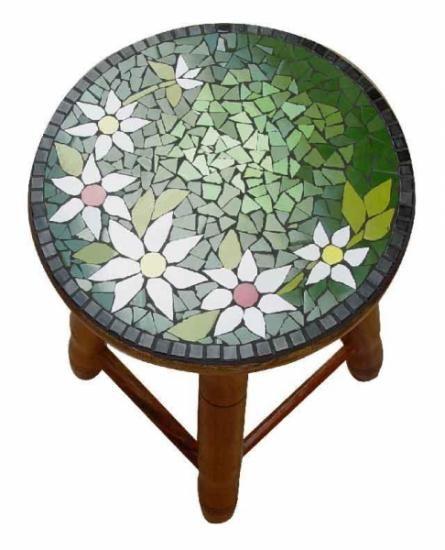 banco de madeira em mosaico floral  madeira,azulejos,pastilha de vidros mosaico