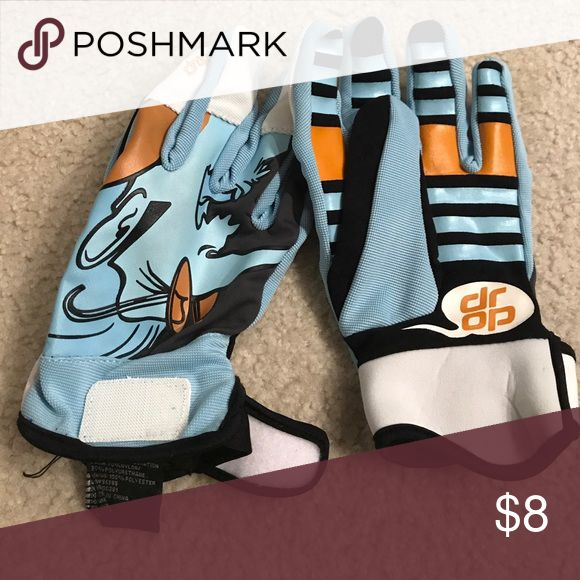Kids goalie gloves Great condition Accessories