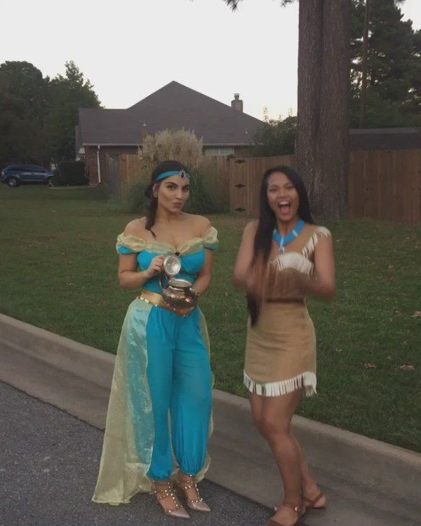 Halloween Looks #Princess #Disney #DisneyPrincess #DIY #Halloween #Costume #DressUp #HalloweenCostume #PrincessJasmine #Pocahontas
