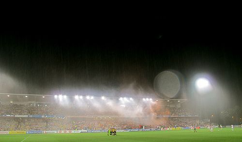 Spring rain at the Blue Tongue. Central Coast Mariners vs Western Sydney Wanderers