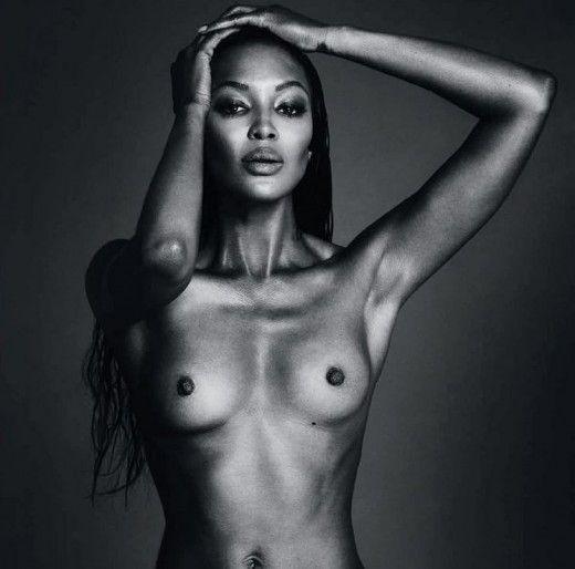 H Nαόμι Κάμπελ δοκιμάζει τα όρια του instagram με γυμνόστηθη φωτογραφία
