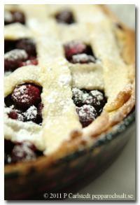 Paj med blåbär och hallon - Bärrecept