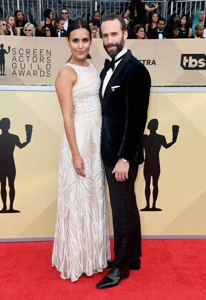 Joseph Fiennes & Maria Dolores Dieguez - The Cutest Couples At The 2018 SAG Awards - Photos