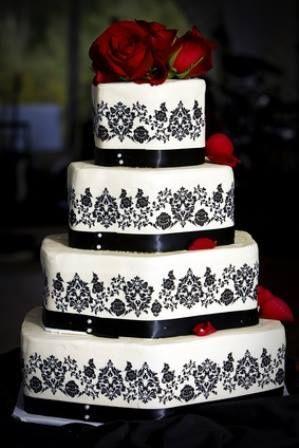 4 tier wedding cake by @ladyccreation #ladyccreation #cake #weddingcake #sugararts #chocolate