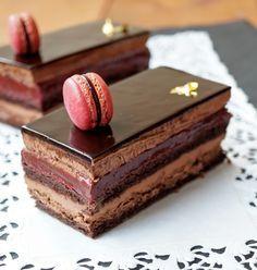 """Невероятно шоколадный торт. Для сообщества """"Готовим вместе"""" gotovim_vmeste2 в Раунд 200. Серия """"Кондитерка"""" Шоколад, сладкое . Пирожное """"Шоколадная смородина"""" На 8 пирожных…"""