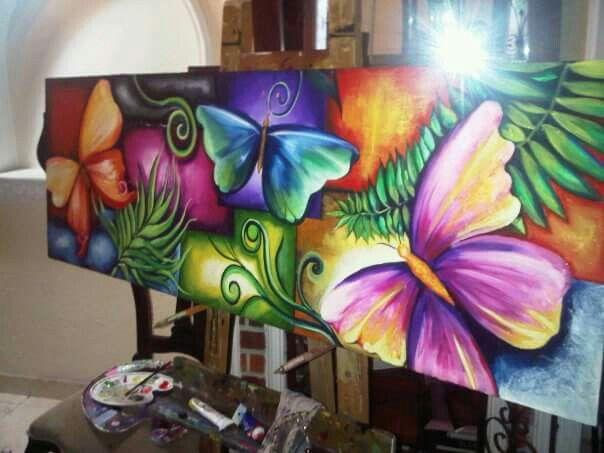 Oleo sobre lienzo y relieve en yeso. Mariposas de colores