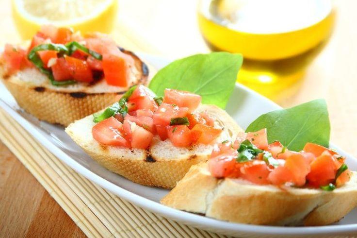 Przepis na Chrupiące grzanki z pomidorową salsą