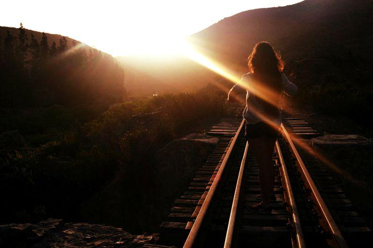 linea del tren y atardecer más amigos
