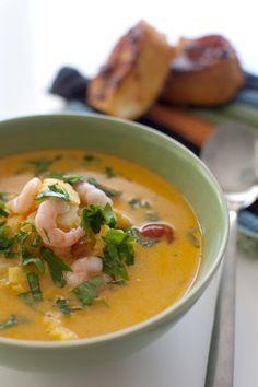 Fisksoppa med curry och räkor