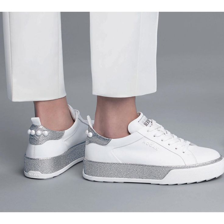 Fresh tones of white and silver on the #HOGAN #H320 #sneakers   Join the #HoganClub #lifestyle and share with us your @hoganbrand pictures on Instagram