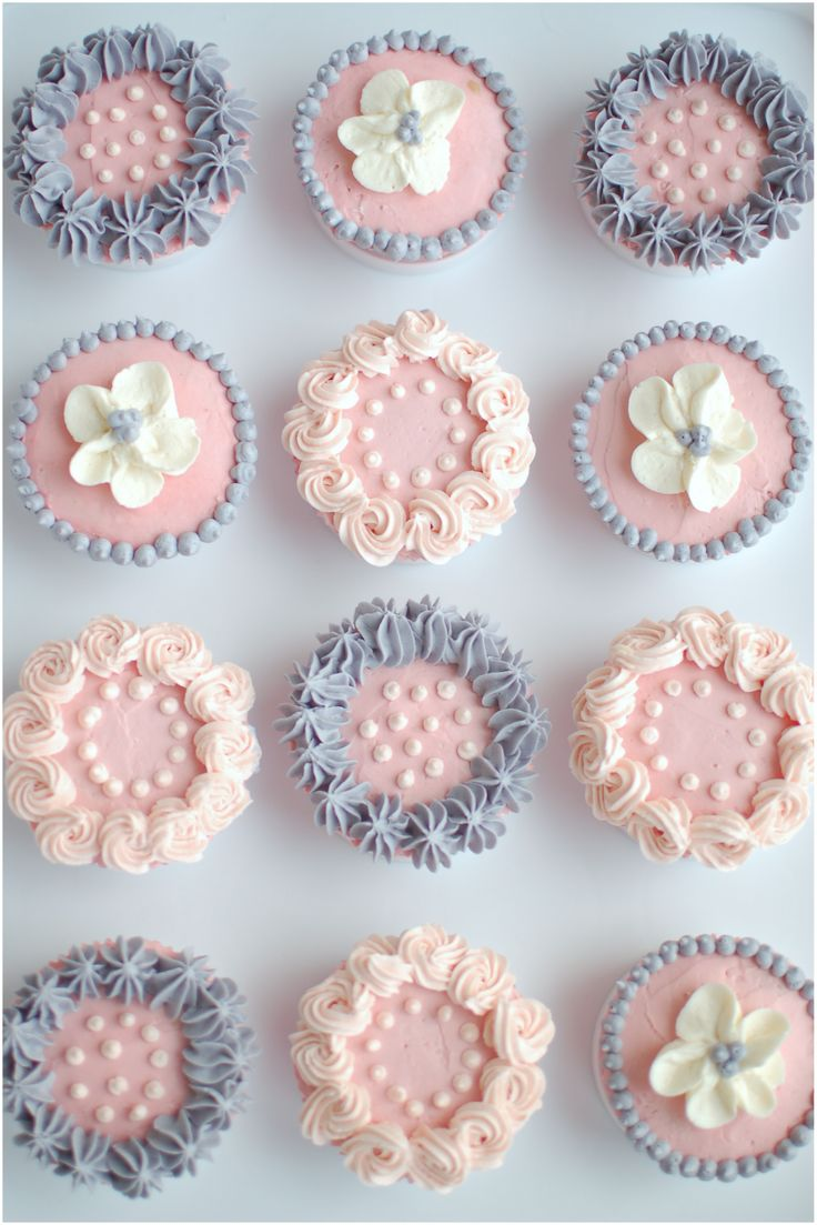Pretty Cupcakes See my art https://www.facebook.com/ZRFractals http://www.facebook.com/craftwebdesigns