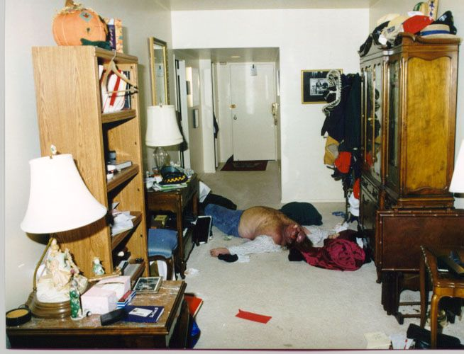 Chris Farley death photos - Weird Picture Archive