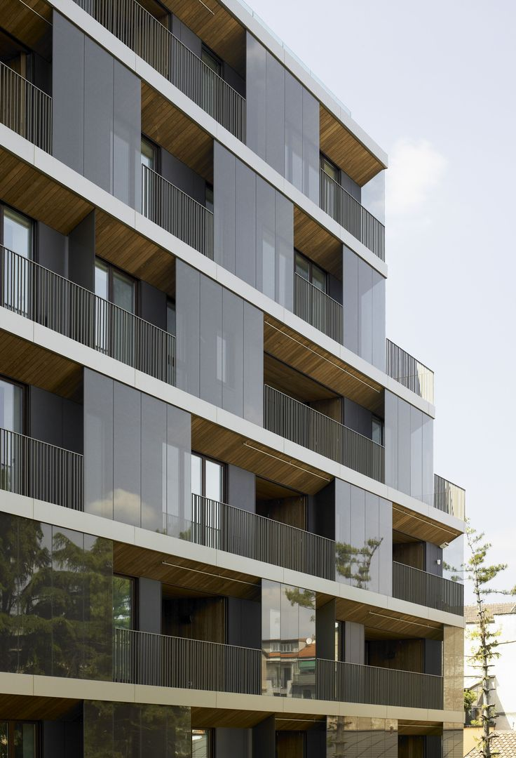 Conversion of a Building / Antonio Citterio Patricia Viel and Partners