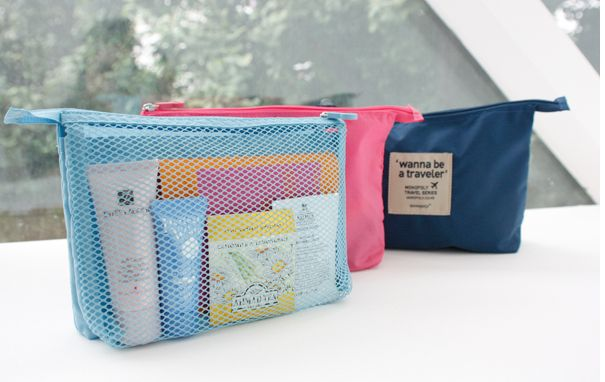 MochiThings.com: Large Wanna Be a Traveler Mesh Pouch