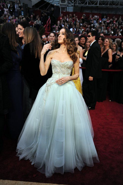 Sarah Jessica Parker in Dior Haute Couture strapless belted chiffon ballgown