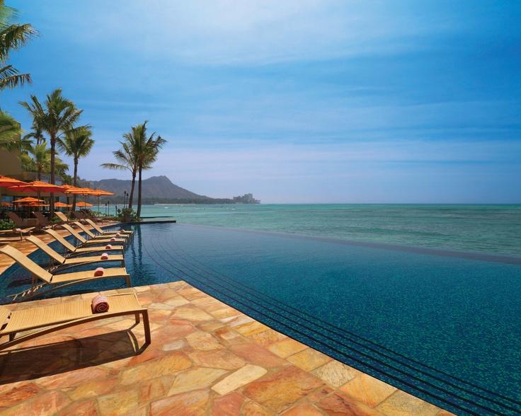 Sheraton Waikiki Infinity Pool #swdreamhawaii