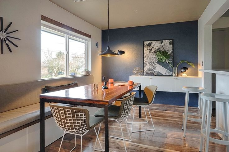 A '50s Ranch Home That Battles the Seattle Weather with Pops of Color and Warm Touches — House Call