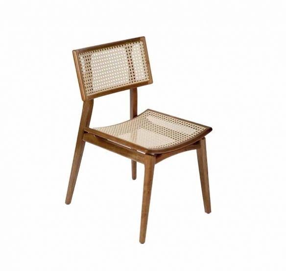 Cadeira Alegra | 45L x 60P x 84H. Design Estúdio Tri Design. Cadeira com estrutura em madeira maciça, assento e encosto em palhinha natural. Opção de assento estofado.